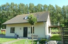 Das Ferienhaus Pappelwald - Strassenansicht