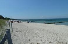 Strandkörbe am Strand von Glowe