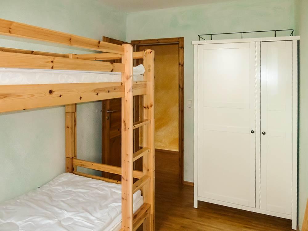 dein alt glowe wohnung 6 f r 4 personen mit. Black Bedroom Furniture Sets. Home Design Ideas